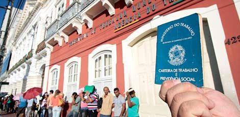 #EuFuiDemitidoPQ mostra o racismo, LGBTfobia e machismo dos patrões contra os trabalhadores