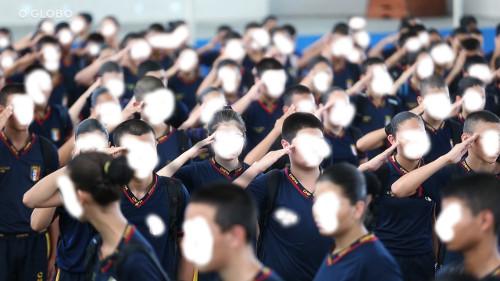 A militarização da educação está implantando a ditadura dentro das escolas