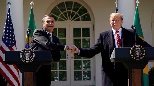 Trump quer acordo de livre-comércio para deixar Brasil de joelhos com ajuda de Bolsonaro