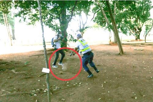 Fotógrafos são agredidos pela PM após gravar uso de armas contra manifestantes em Brasília