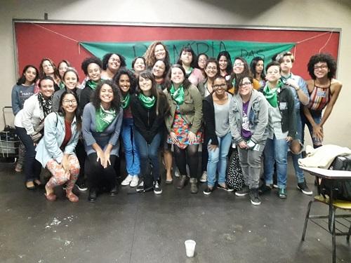 Plenária reúne mais de 50 mulheres para construir a maré verde na UERJ