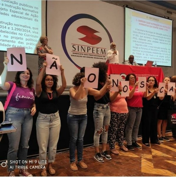 Representantes de Escola do SINPEEM aprovam assembleia com paralisação da categoria dia 18/03, construindo também os dias 8 e 14M