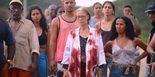 Sobre vôos indefectíveis: a não-crítica ao filme Bacurau