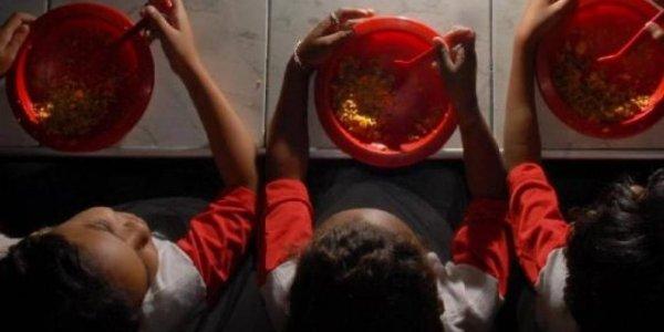 Justiça de SP favorece Doria e Covas e suspende auxílio alimentação para alunos na pandemia