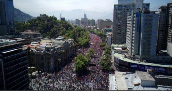 CHILE: Centenas de milhares de pessoas se mobilizam em todo o país no sexto dia de luta