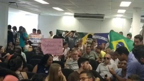 Atividade do PSOL é atacada por fundamentalistas no Guarujá