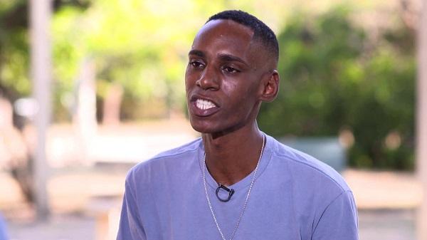 """Menino preso por ser negro: """"fui jogado numa cela onde só tinha rato e percevejo"""""""