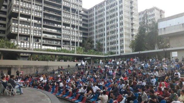 Estudantes e docentes da UERJ suspendem greve e convocam paralisação para o dia 30