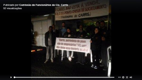 Trabalhadores da Carris realizam vigília em frente à empresa contra Marchezan