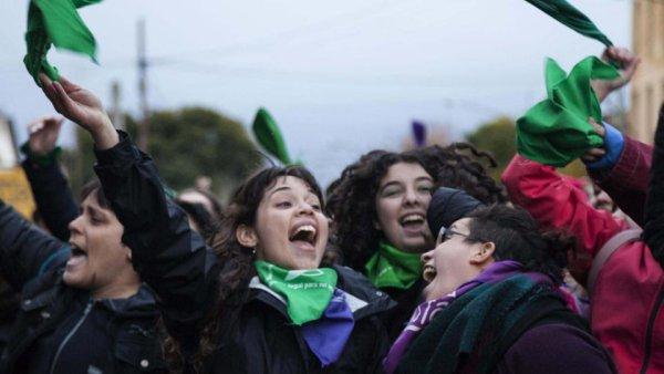 Organizar a revolução das filhas contra Bolsonaro e o golpismo