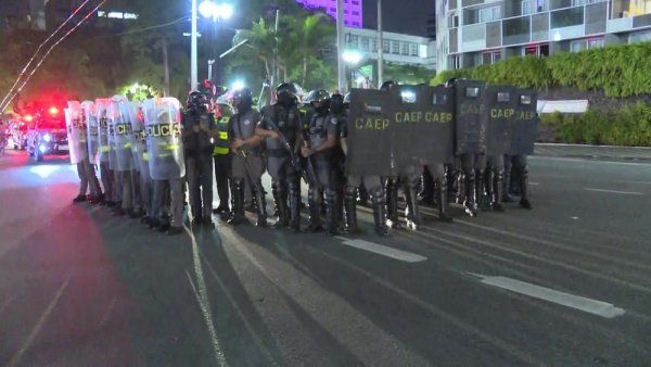 Manifestação de milhares contra Bolsonaro é reprimida pela polícia em SP