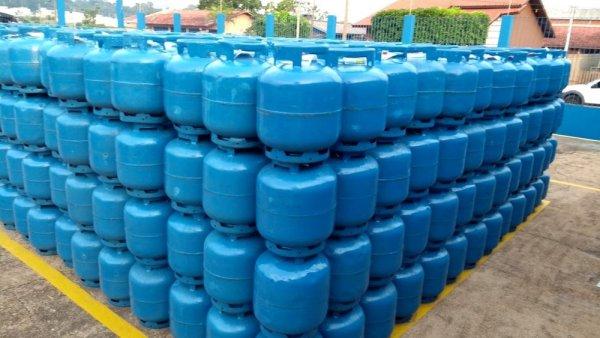 Petrobras aumenta gás de cozinha e gasolina