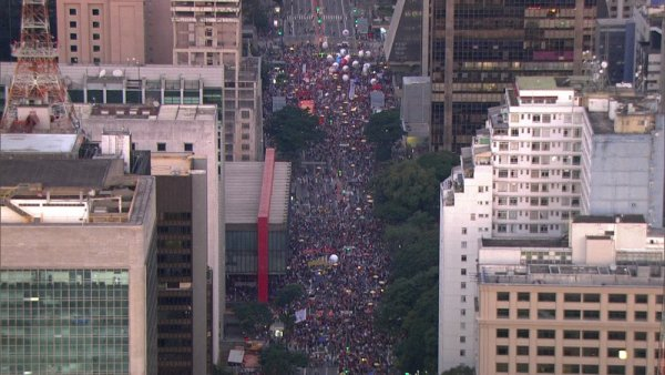 Grande ato toma as ruas de São Paulo no 14J