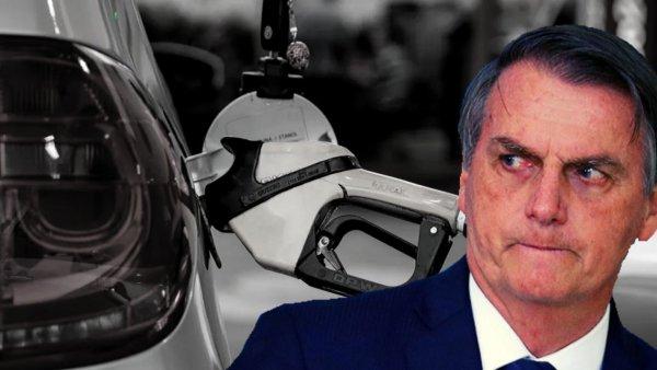 """Bolsonaro culpa """"monopólios"""" por aumento do combustível buscando justificar política privatista"""