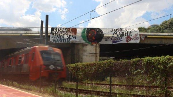 3 anos sem Marielle: Pão e Rosas estende faixas pelo Brasil exigindo justiça