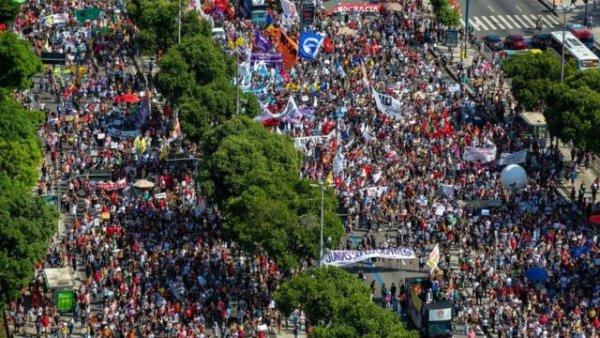 Basta de divisão! Pela unidade de estudantes e trabalhadores nas ruas no 19J