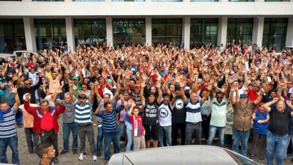 Estudantes e trabalhadores se levantam nas universidades em defesa da educação pública