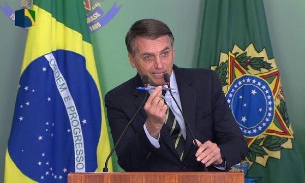 Bolsonaro segue com política genocida e retira acordos coletivos sobre contratos da sua MP