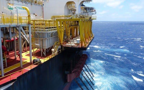Brasil vende muito por preço baixo e arrecadação dos royalties de petróleo despenca em 2020