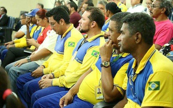 Para privatizar os Correios, Bolsonaro diz que poderá demitir 40 mil trabalhadores