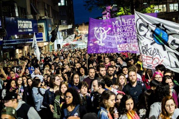 Tomar as ruas de Porto Alegre contra Bolsonaro, o golpismo e as reformas nesta quinta-feira