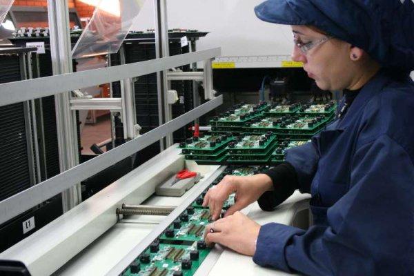 Em apenas um mês, setor de eletroeletrônico demite 1 078 trabalhadores