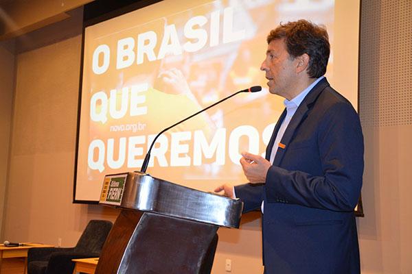 """João Amoedo do Novo: """"gostaria de privatizar a Petrobras e acabar com o monopólio"""""""