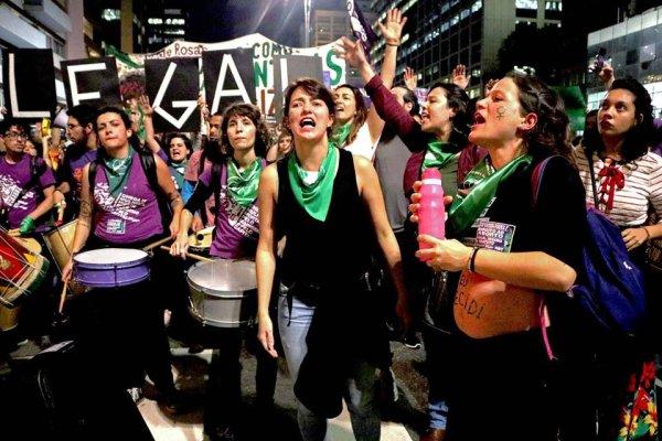 As mulheres precisam lutar pelo não pagamento da dívida pública