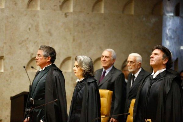 Juízes mantem supersalários e aposentadorias, enquanto defendem a Reforma da Previdência