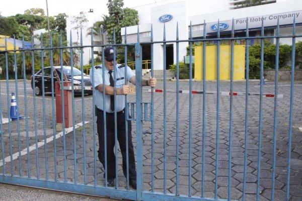 Produção industrial nacional cai, fruto da política de Bolsonaro de reprimarização da economia