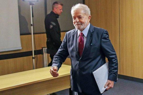 Defesa de Lula protocola pedido de soltura imediata