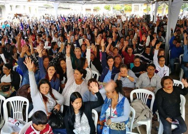 Terceirizados da educação de BH fazem greve de 3 dias contra mais de 4 mil demissões