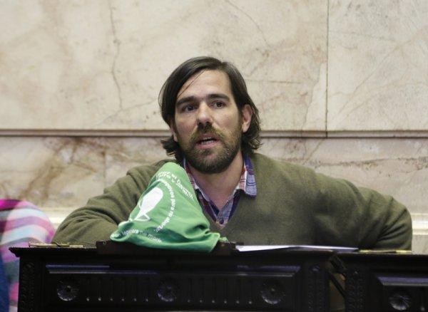 """Argentina: Del Caño diz que a objeção de consciência """"Limita os direitos das mulheres"""""""