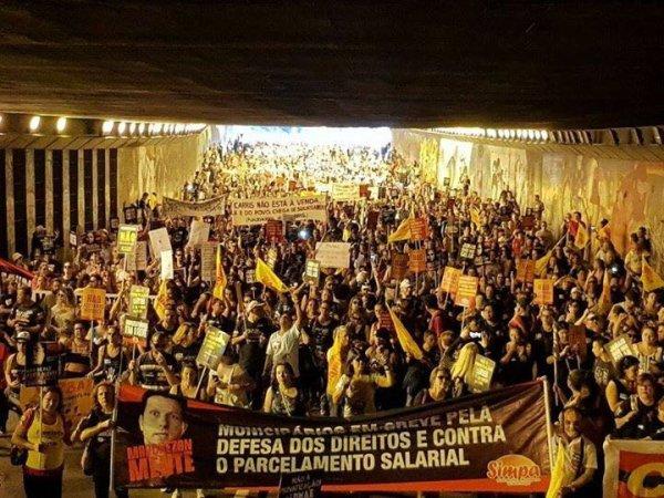 Milhares de municipários em greve tomam as ruas de Porto Alegre contra Marchezan