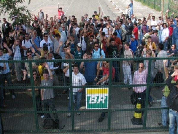 CUT precisa iniciar já a greve petroleira pela redução dos combustíveis e contra a privatização