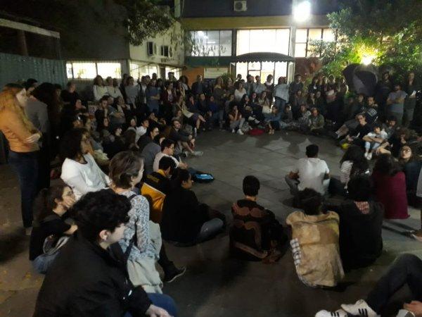 Psicologia e Serviço Social UFRGS suspendem aulas, fundam comitê de base e convocam atos contra Bolsonaro