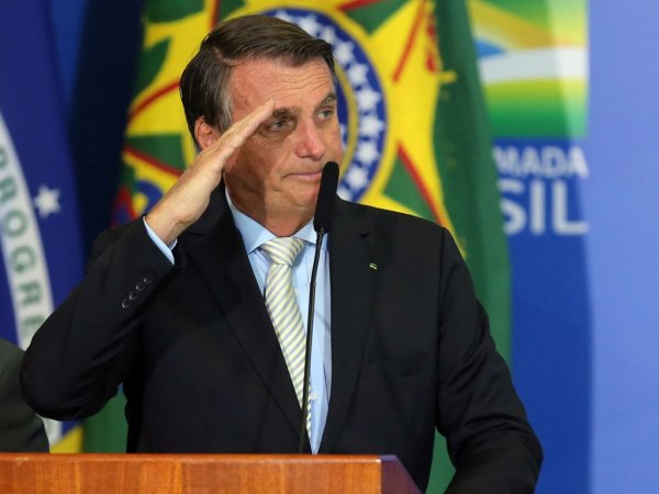 Rachadinha, não. Rachadona! Laranjas de Jair Bolsonaro retiraram R$ 551 mil em espécie