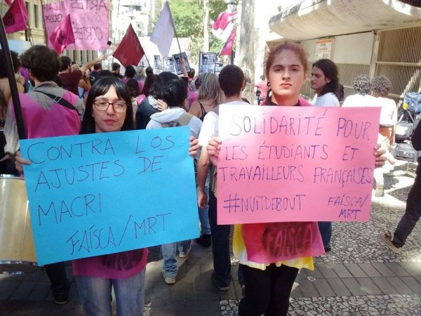 Solidariedade no 1M do Brasil aos trabalhadores e jovens da França e Argentina