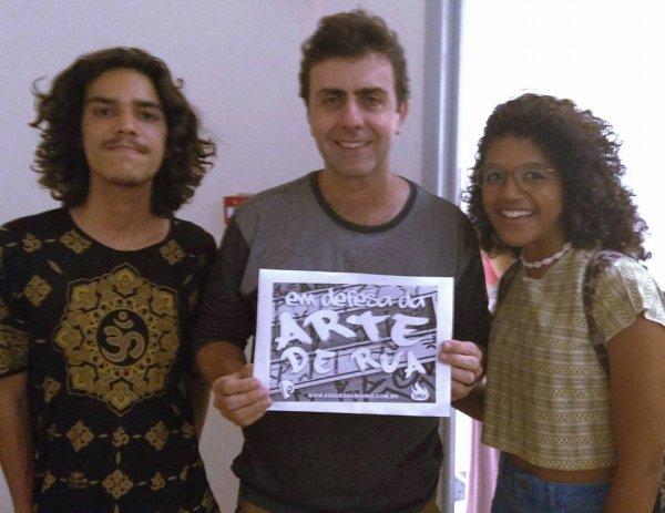 Marcelo Freixo apoia campanha em defesa da Arte de Rua