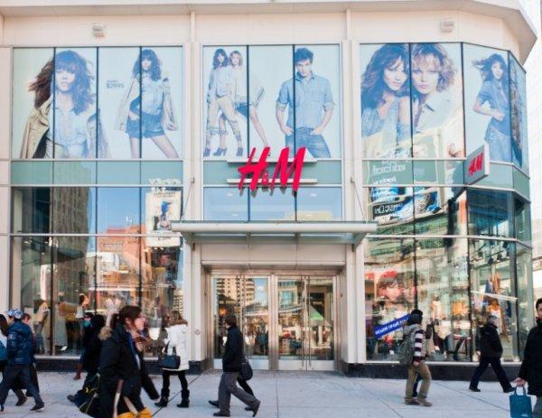 H&M quer demitir 800 trabalhadoras na Alemanha, e a grande maioria de mães